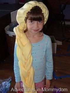 model Rapunzel wig