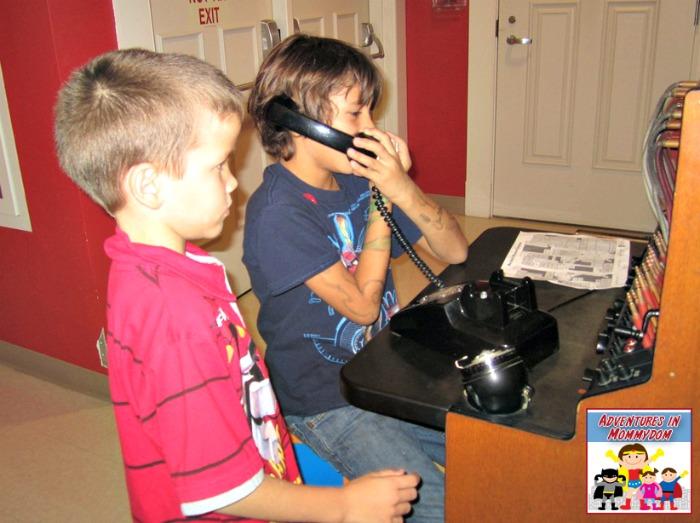 Mayborn museum field trip communication room